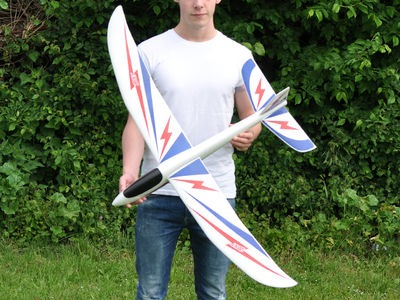 CENTURY UK The Bolt 4ft Hand Launch Glider click to zoom image